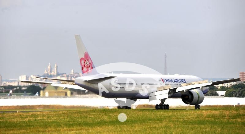 B 777-300 ER China Airlines at Paris Airshow