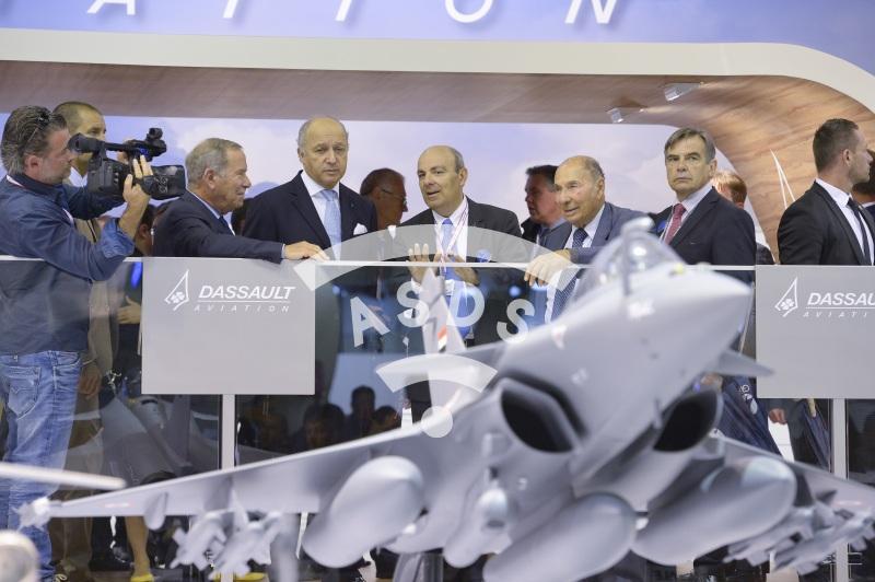 Ch. Edelstenne, L. Fabius, E. Trappier, S. Dassault