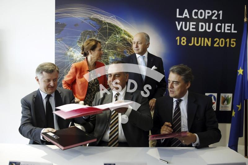A. de Romanet, M. Lahoud, A. de Juniac, L. Fabius et S. Royal