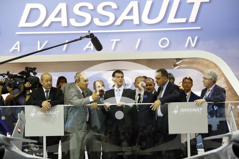 JY. Le Drian, E. Trappier, S. Dassault, M. Valls, Ch. Edelstenne, M. Lahoud