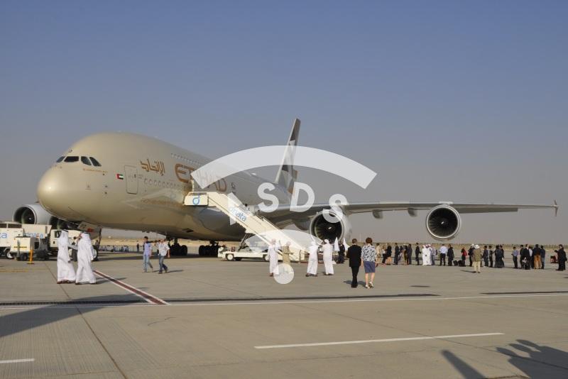 A380 Etihad at Dubai Airshow 2015