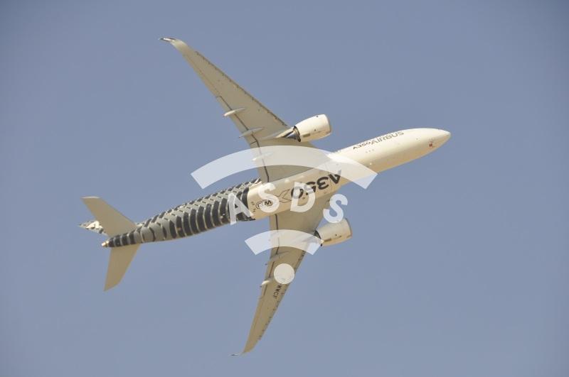 A350-XWB at Dubai Airshow 2015