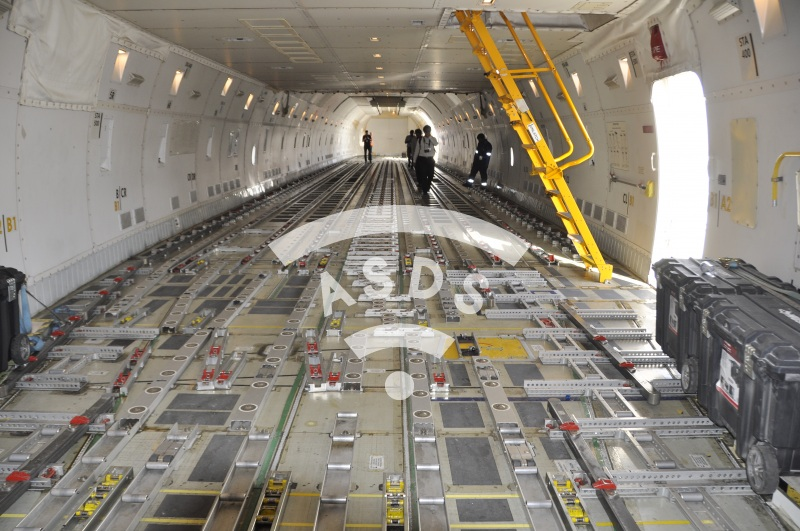 Boeing 747-F internal cargo