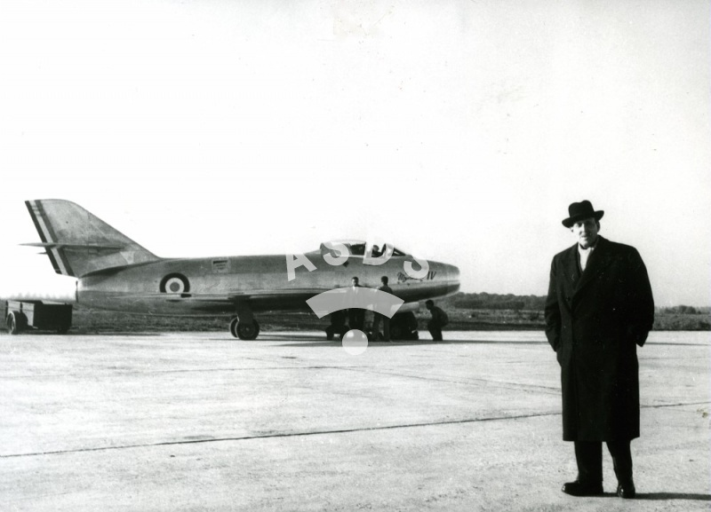 Marcel Dassault in front of the Mystère IV