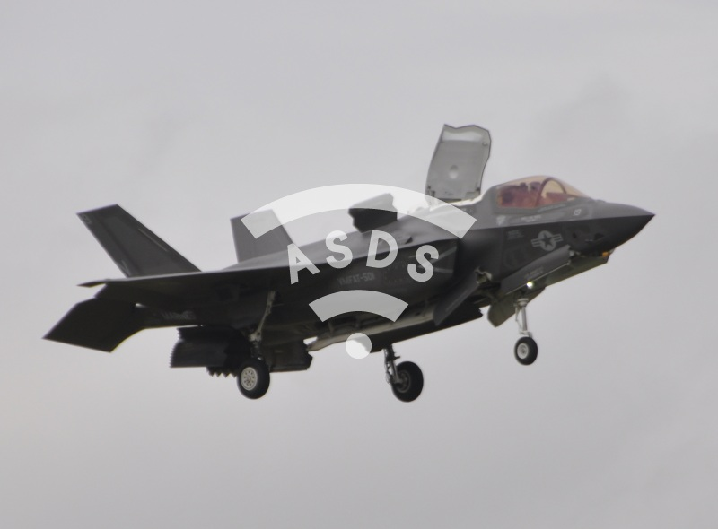 F-35B flying display at the Farnborough Airshow
