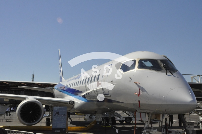 MRJ90 at Paris Airshow