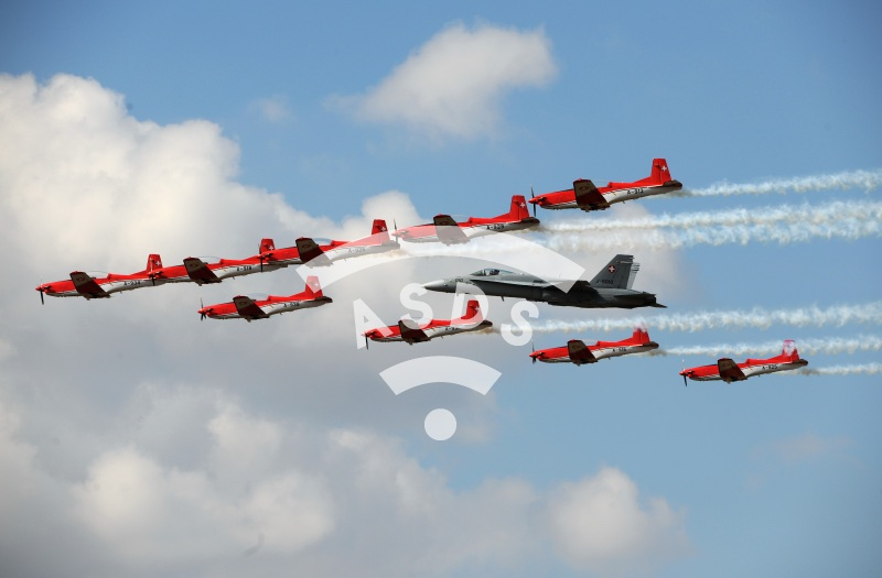 Swiss Aerobatic Team with F-18 Hornet at RIAT 2018