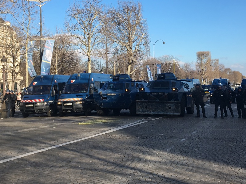 French Gendarmerie in front of Yellow Vests