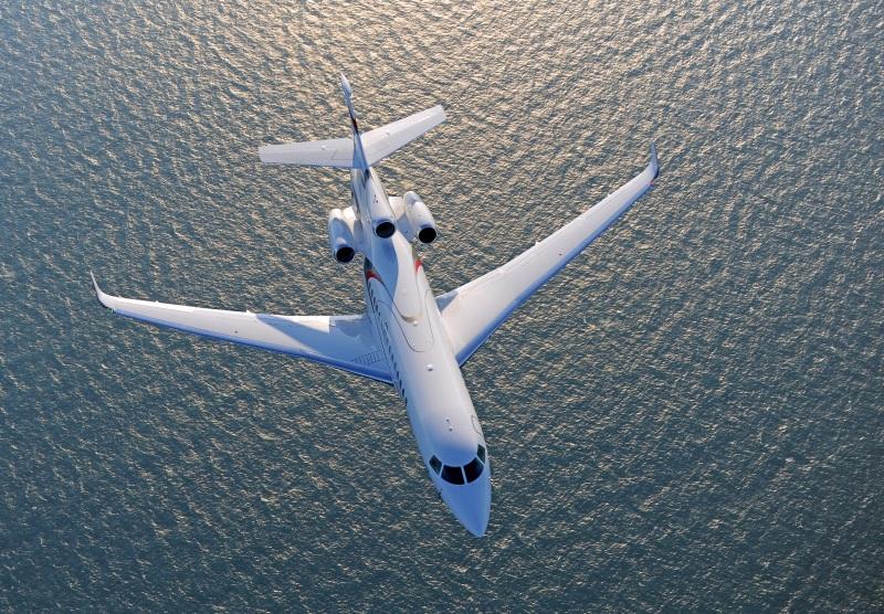 Falcon 8X in flight