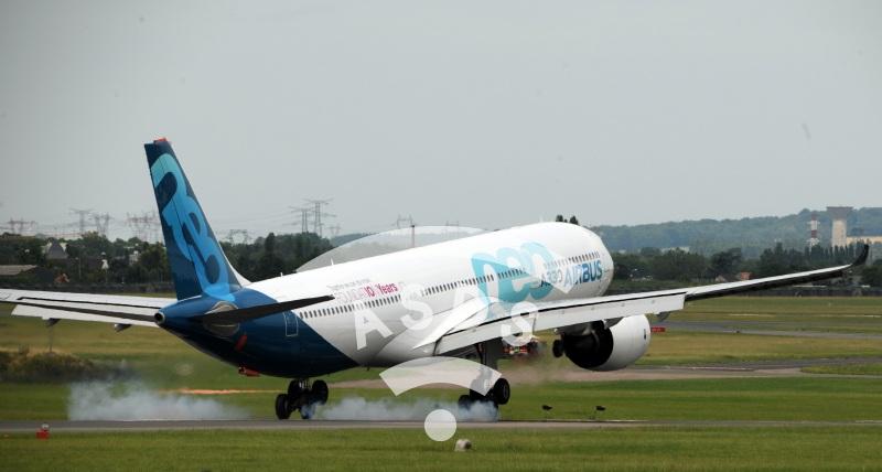 Airbus A330neo landing at PAS'19