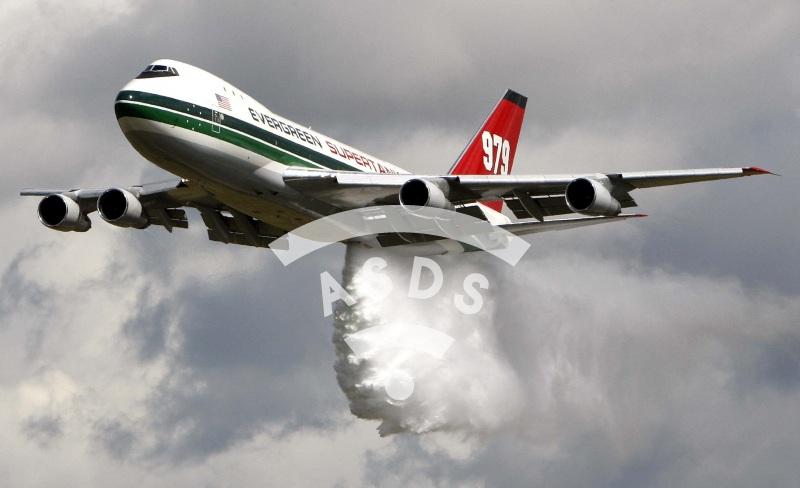 Evergreen 747 water bomber