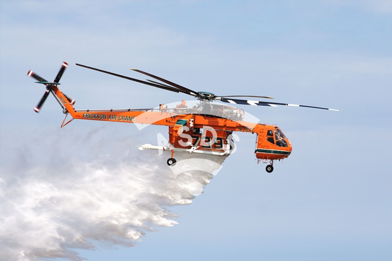 CH-64 water bomber