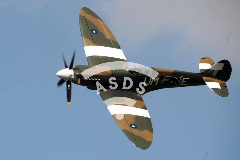 Spitfire at La Ferté Alais 2021