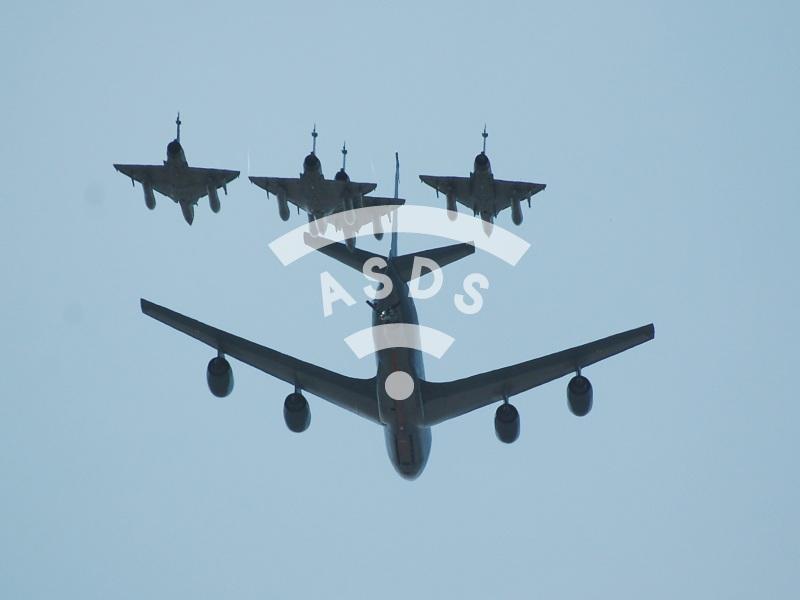 C-135F tanker / Mirage 2000